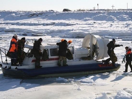 Зима – жаркая пора для сахалинских спасателей
